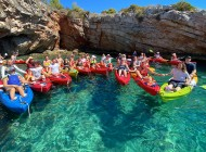 Group-on-sea-kayak-tour-Blue-Lagoon-Croatia