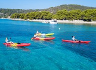 Kayaking-in-blue-lagoon-from-split