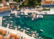 Boats-in-harbour-Island-Solta