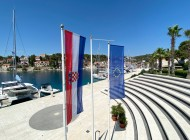 Yacht-club-in-Maslinica-Martinis-Marchi